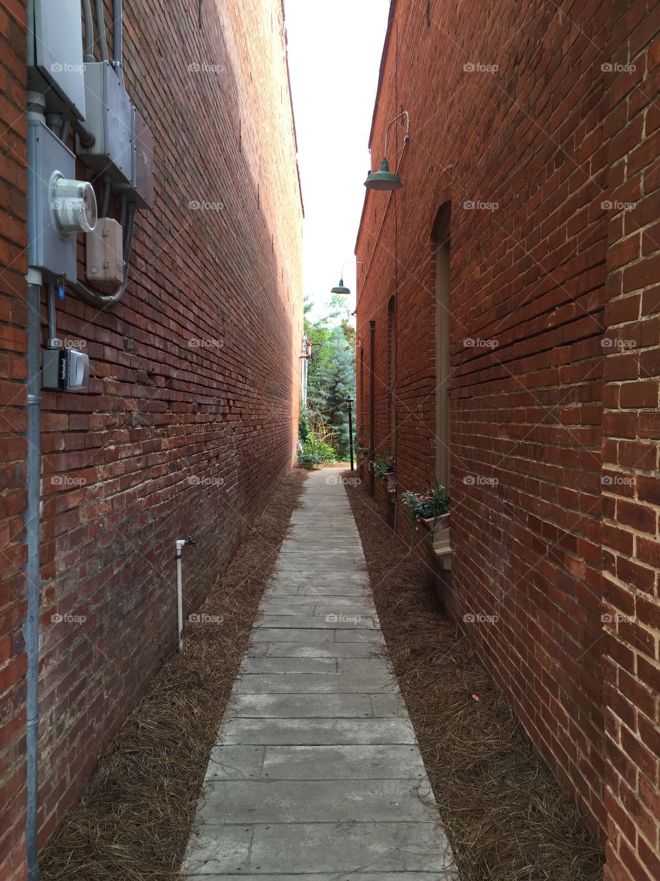 Alley way between two historic buildings in Plains, Georgia.
