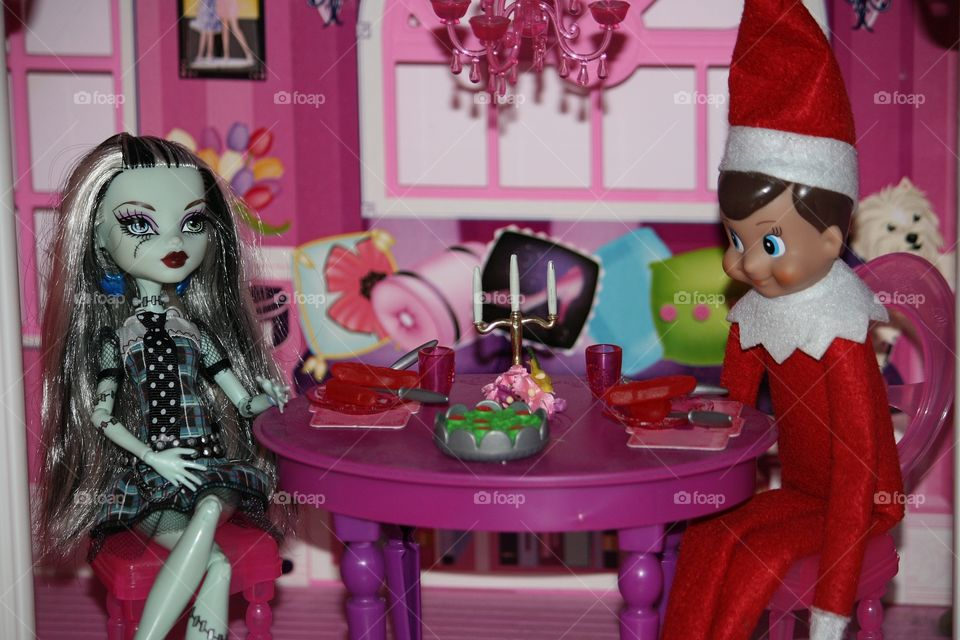 elf on the shelf dinner date