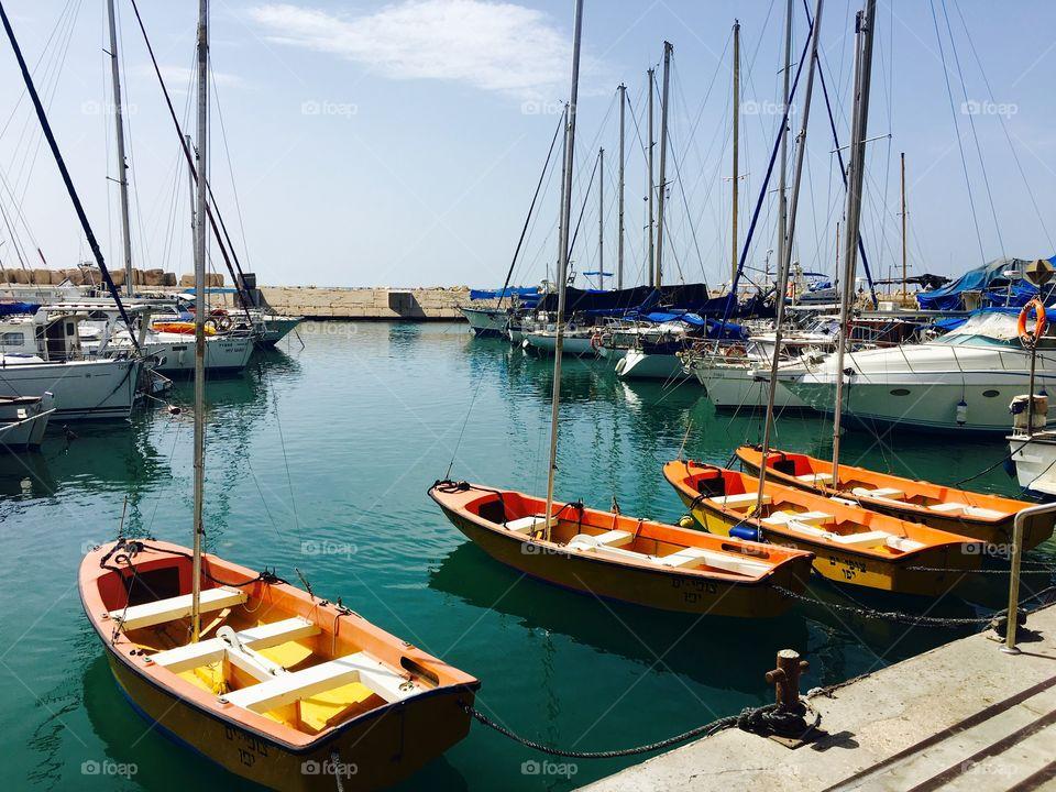 Harbors near pier