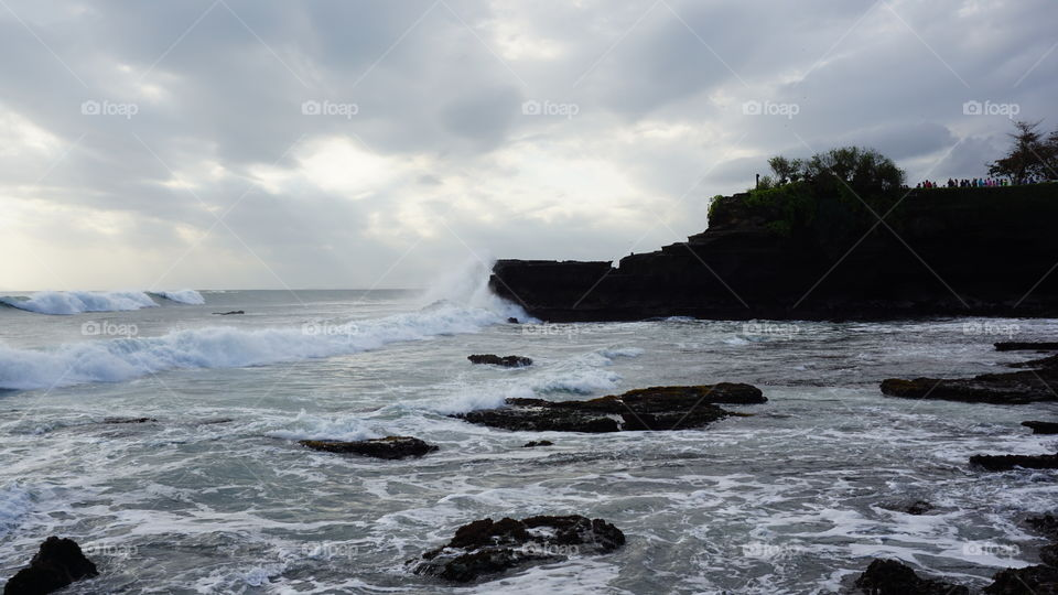 when the waves are flooding the shore,that's when I look at you #Tanahlot #sonya6000
