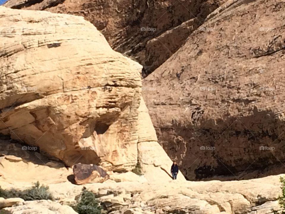 Las piedras rojas de las Vegas en la montaña