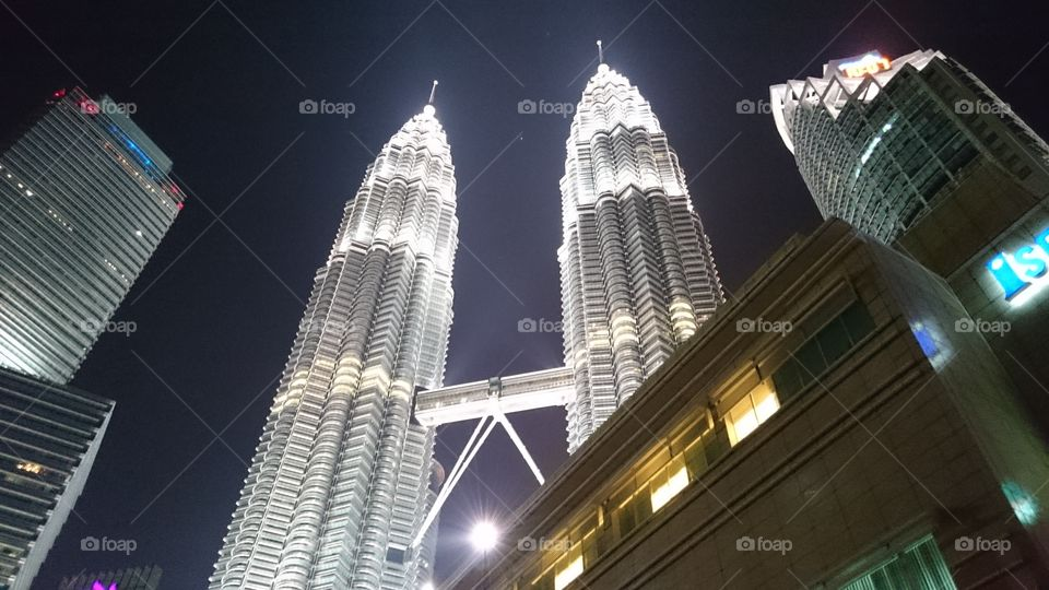 The twin towers of South East Asia. . The night sky of KL Petronas Towers.