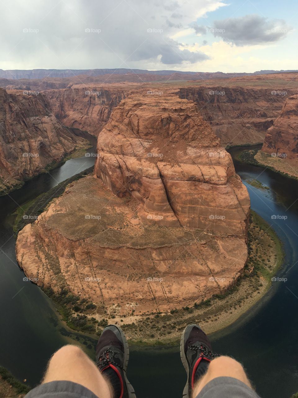 After three weeks of living on the road out of a tent across the most beautiful landscapes in North America. I found myself here on the edge of the Horseshoe Bend of the Grand Canyon describing what I felt best for that period of time; living on the edge.