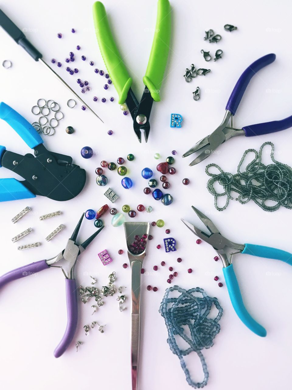 Arts & Crafts Supply - beading tools, glass beads, seed beads, rings, fasteners,