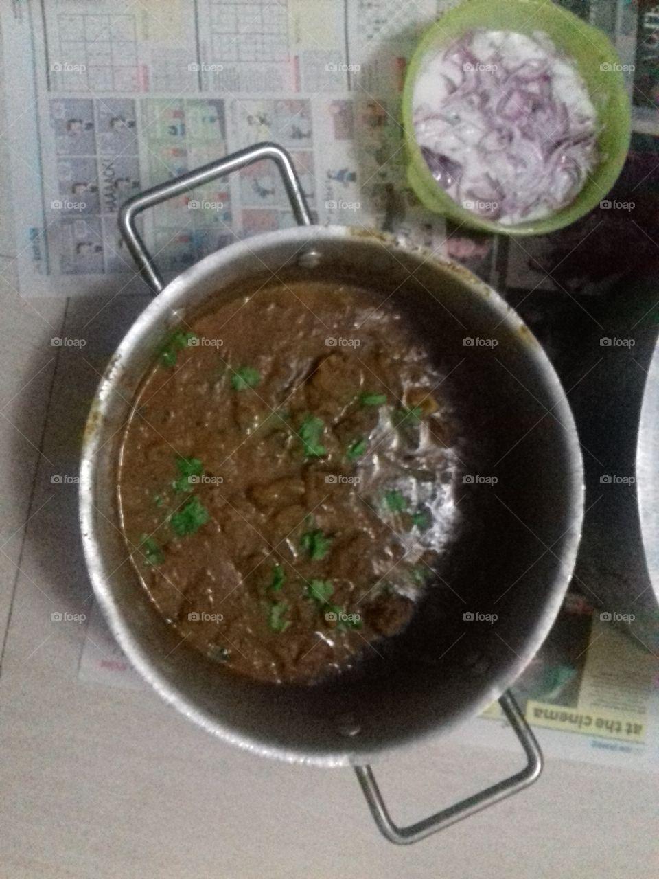 mutton gravy with onion raita