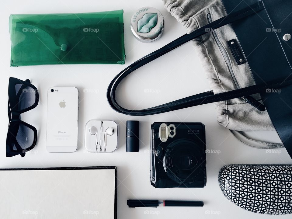Awesome fashion flat lays with routine items.