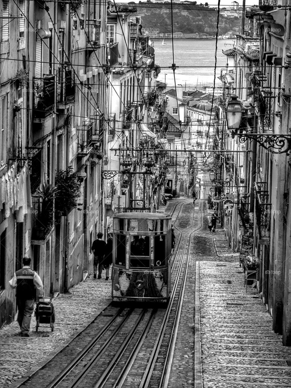 Bica funicular in black and white.