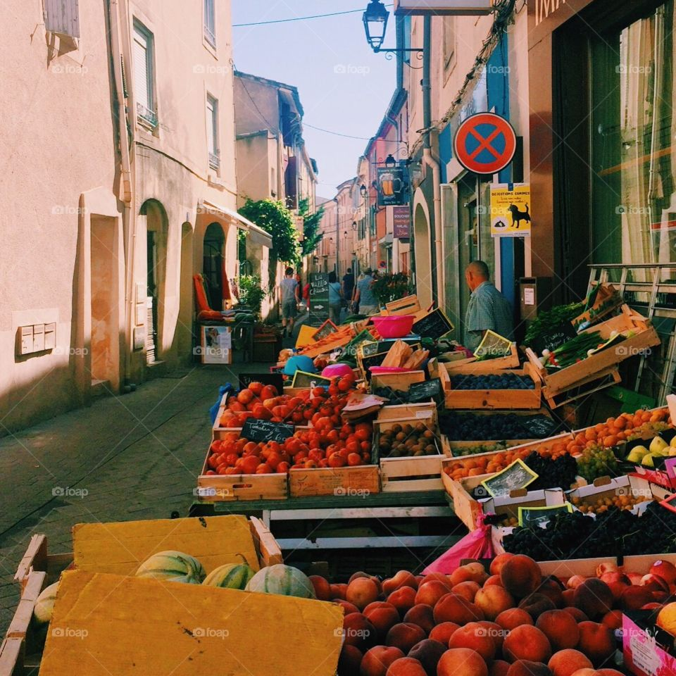 Wandering around markets in Provence