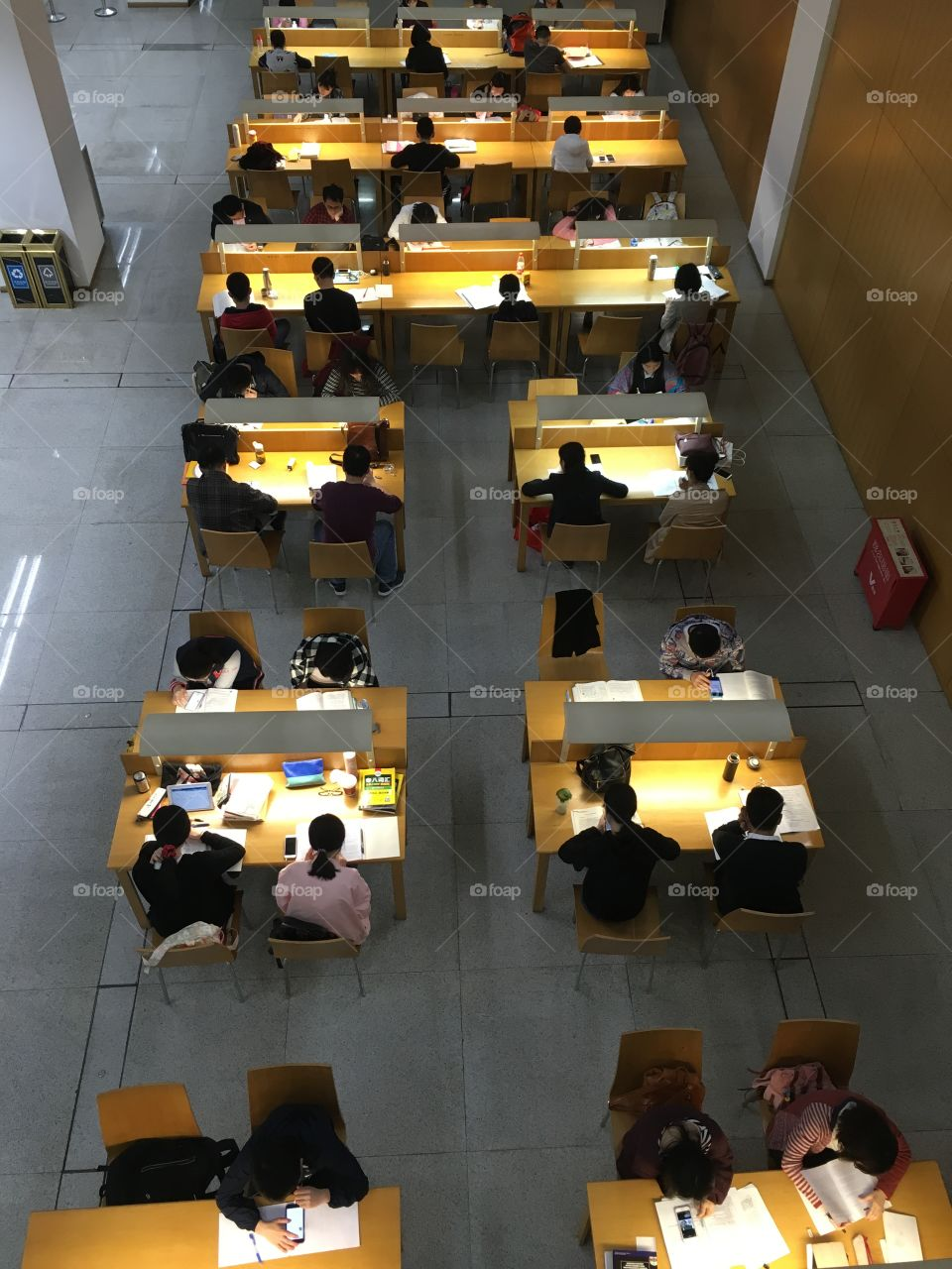 Chinese Students in Shenzhen Library - China