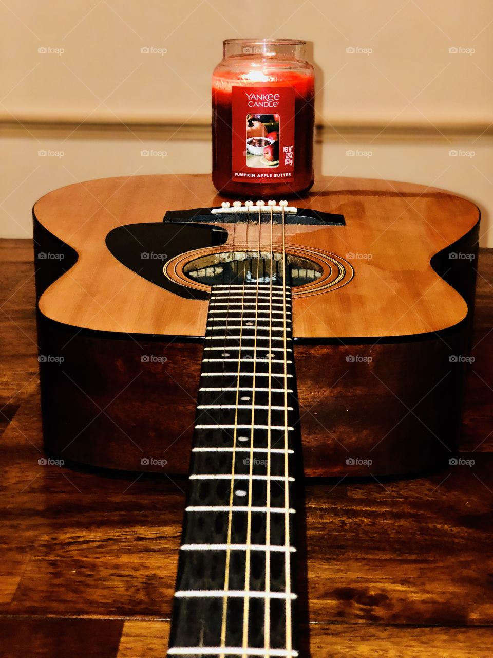 Acoustic Yankee candle on fall nights