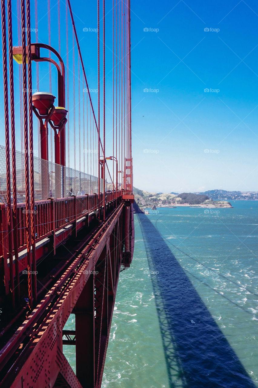 Beautiful lines if the Golden Gate Bridge, San Francisco, USA