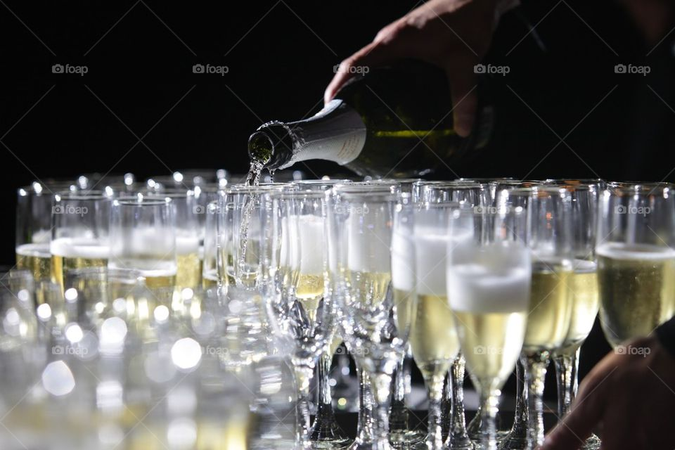 Champagne serving