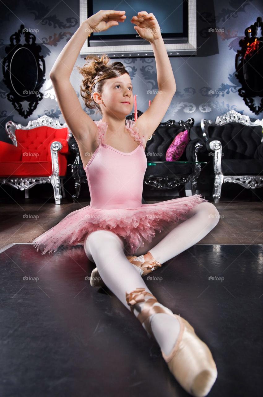 girl pink modern queen by munda.net