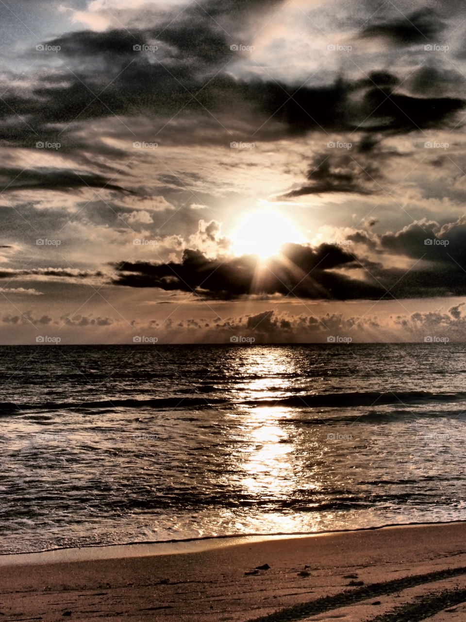 Sunrise In Mexico, Sun Reflecting On The Ocean, Mexican Sunrise, Light Reflections, Sun Rises Through The Clouds