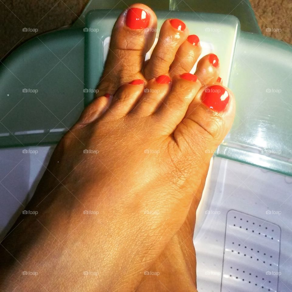 Red nails. Love giving myself a red pedi.
