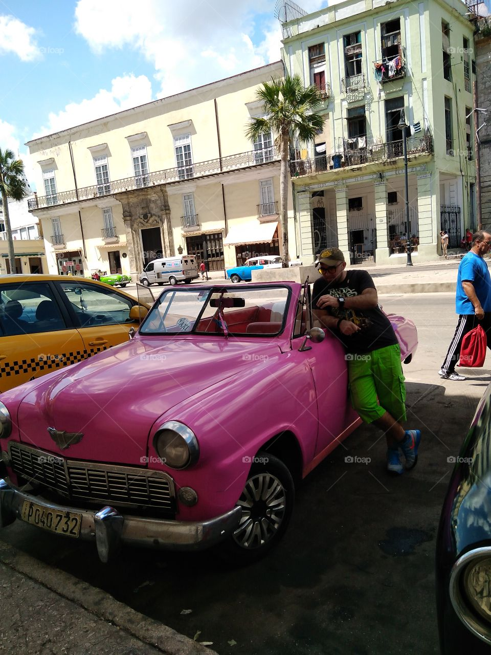Havana , Cuba 2017 buying a car.