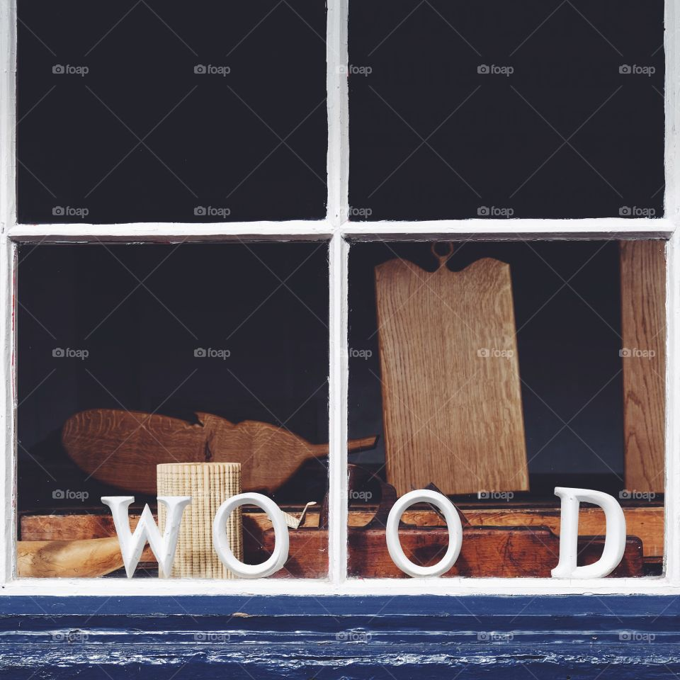 Wood. A simple shop window makes such an impact