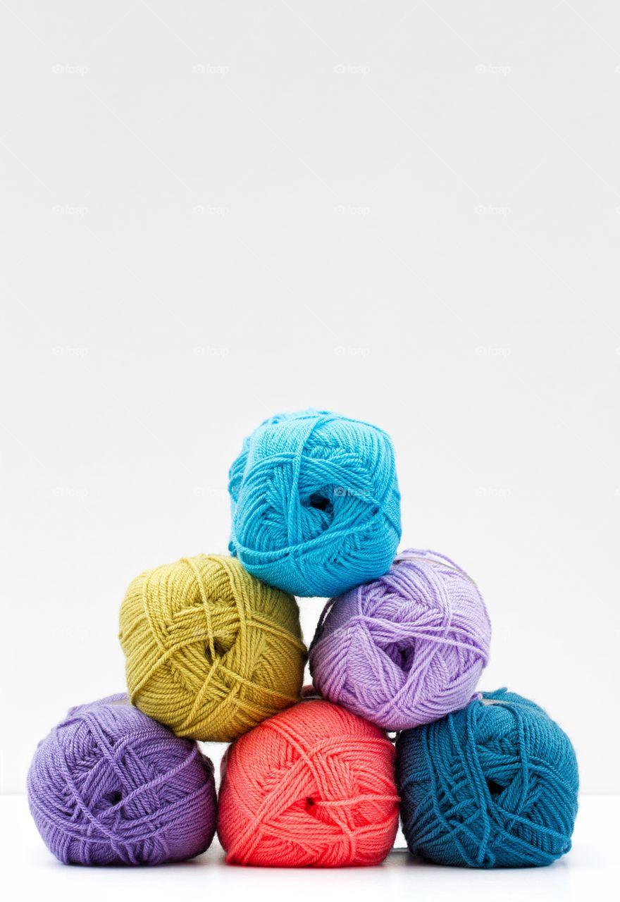 Different type of woolen balls
